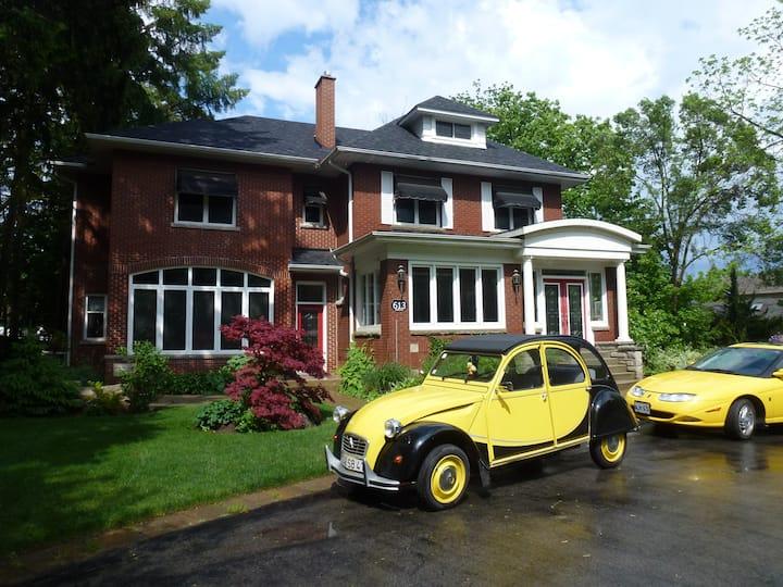 Burlington - 40 min.Niagara,Toronto