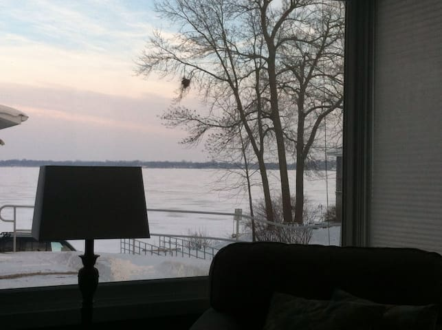 Brand New Cottage, Even Better Views!