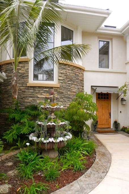 Welcoming front courtyard