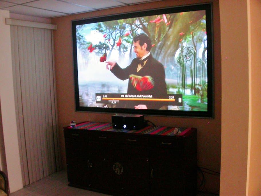 120 inches LG Smart Pro. TV HD1080p 3D