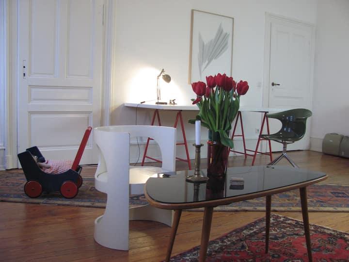 Ruhiges Zimmer in zentraler Altbauwohnung