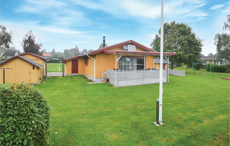 Holiday cottage with 2 bedrooms on 67m² in Hejls