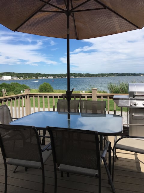 Hamptons Waterfront- Relax & Getaway!