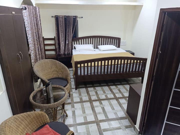 Budgeted Indian heritage hotel near nakki lake