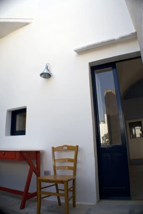 La casa con le finestre blu appartamenti in affitto a parabita puglia italia - La casa con le finestre che ridono ...