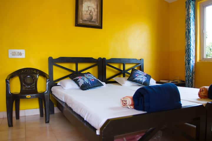 Cozy 1 BR located few steps @ Bogmalo Beach 2