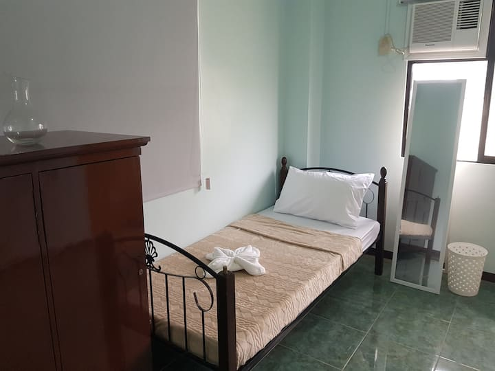 SNS2 Private room with bathroom in Dumaguete City
