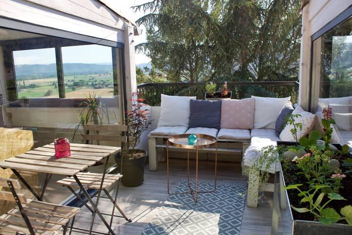 Appartement sur les toits, très jolie vue Provence