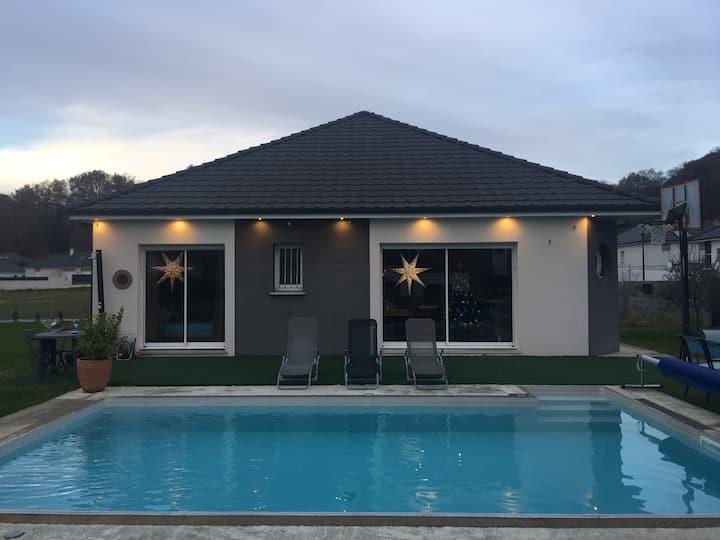 Villa contemporaine tout confort, 7' centre de PAU
