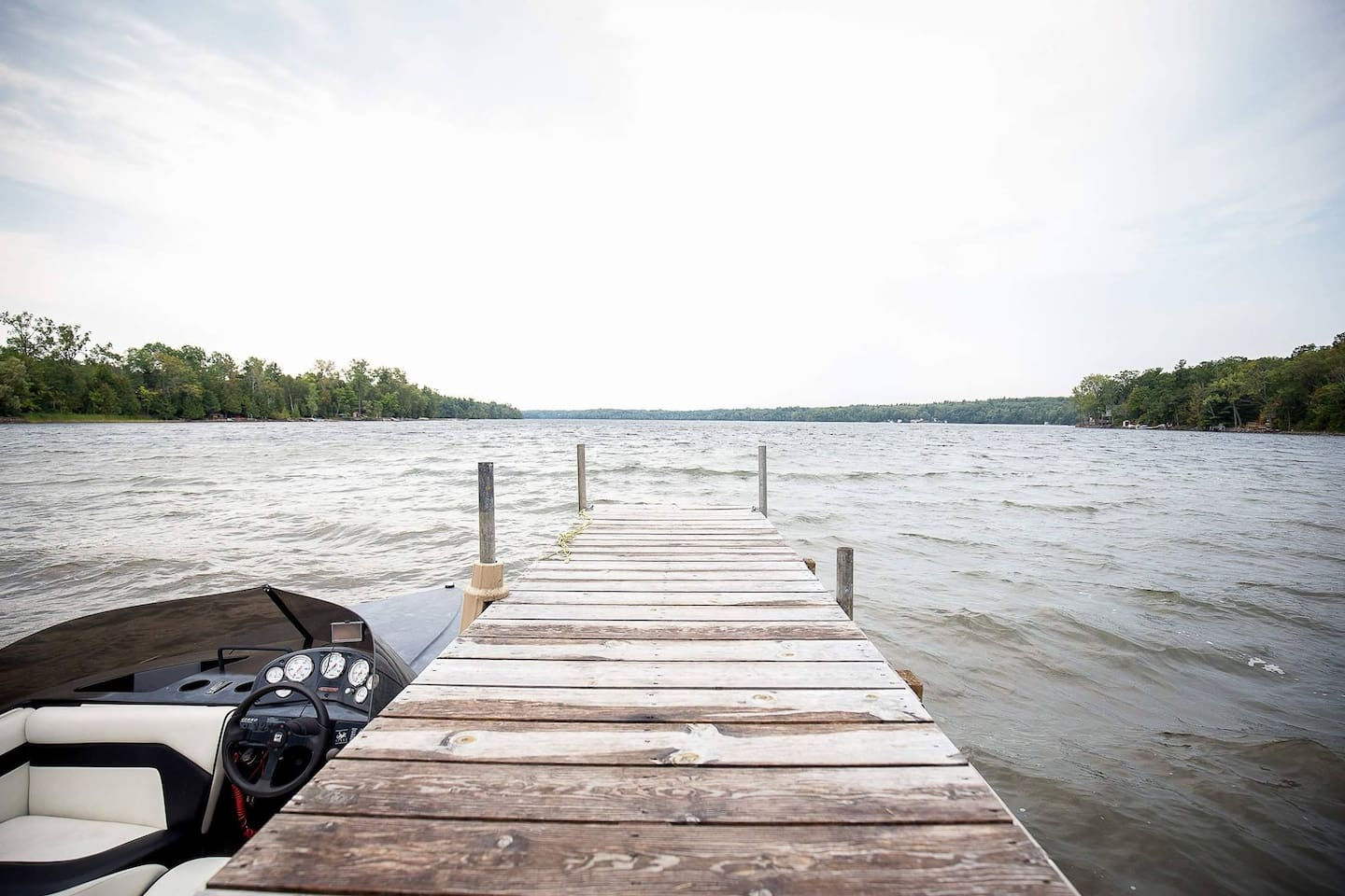 Large Dock with Lakefront View