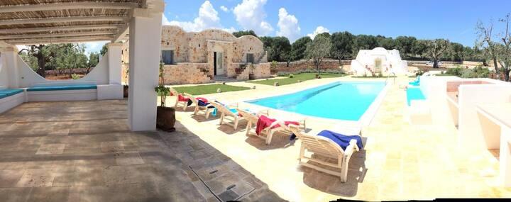 DIMORA PARADISO(Trullo saraceno con piscina)
