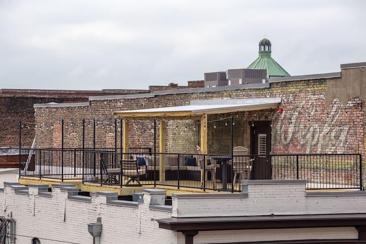 Birmingham's Premier Luxury Loft. W/ rooftop deck