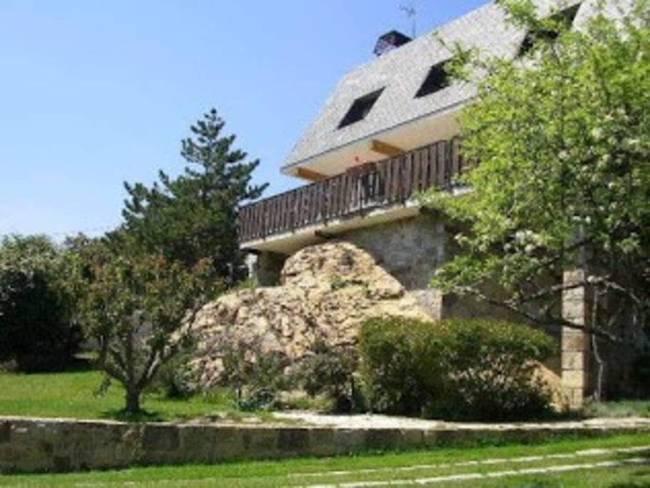 Chalet con estilo en la sierra de madrid casas de campo for Casas de alquiler en la sierra de madrid