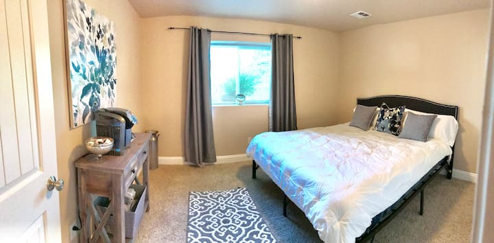 Comfortable 2 Br/1Ba Suite - Close to Everything
