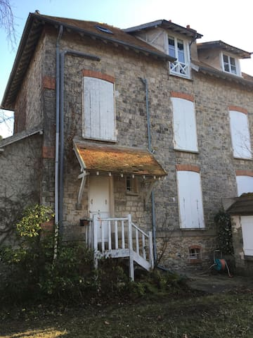 Family old village house with garden near forest - Barbizon