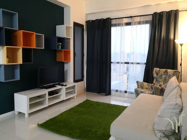 Cozy Home infront MRT, golf & near Alpha Fertility