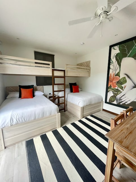 Las Catalinas Private Entrance Guest Room - 4 Beds