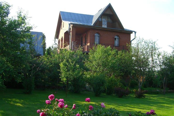 Прекрасный дом с баней для сказочного отдыха - Moscow Oblast - Casa
