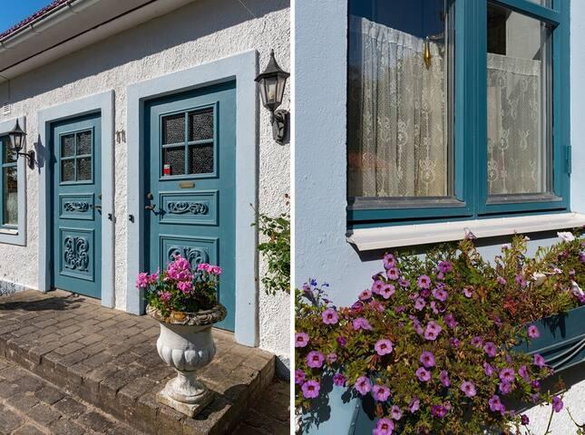 Private entrance (left door)