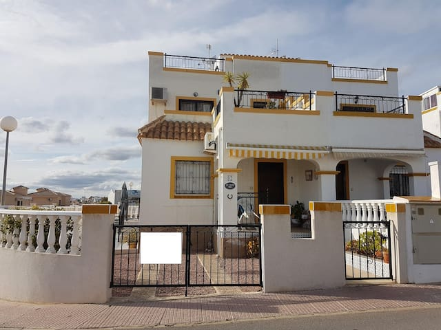 Cosy villa close to the beach - San Fulgencio - Rumah