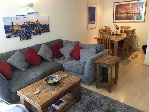 Holyrood Park Apartment (Central Edinburgh)