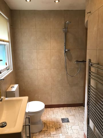 Small Double wet room