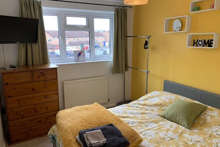 A comfy double bed in the heart of Gloucester
