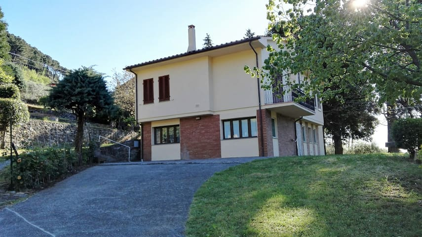 Vacanza relax nelle colline lucchesi - Ruota - Huis