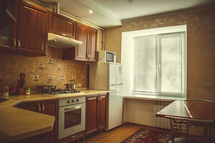 1 room apartment with 2 beds. Perfect location - Mykolaiv - Wohnung