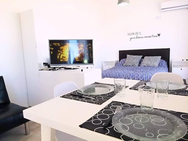 Studio, excelente ubicacion, moderno y confortable