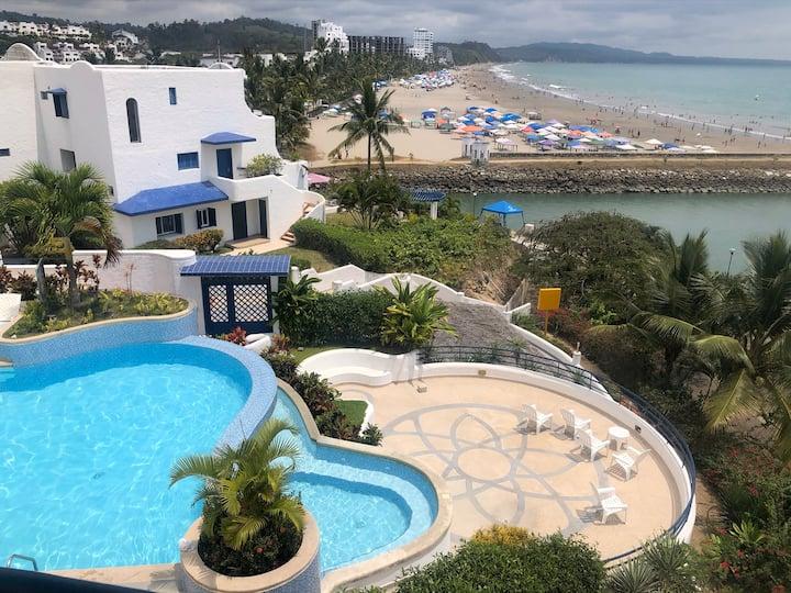 CASA con una vista inigualable y acceso a playa