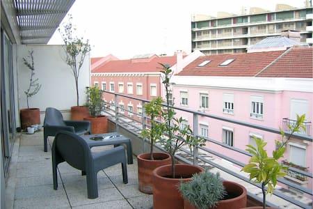 modern apartment in central lisbon - Lissabon