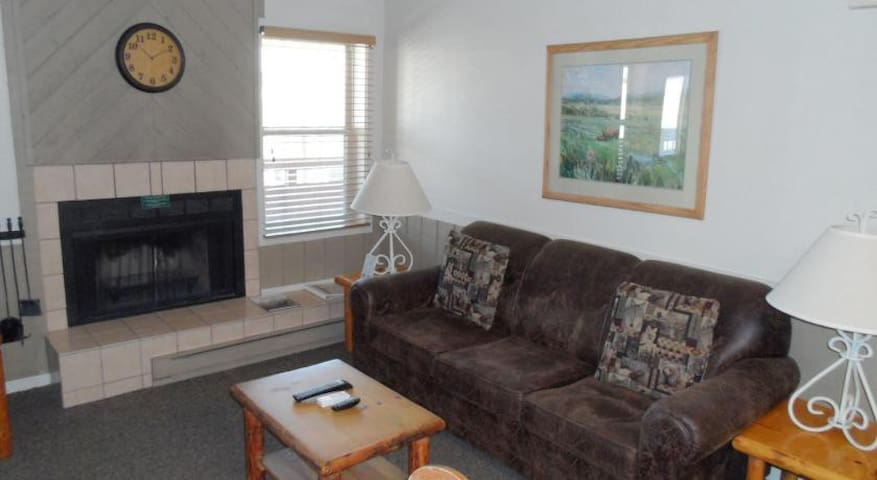 2 Bedroom, 2 Bath Condo in Jackson WY