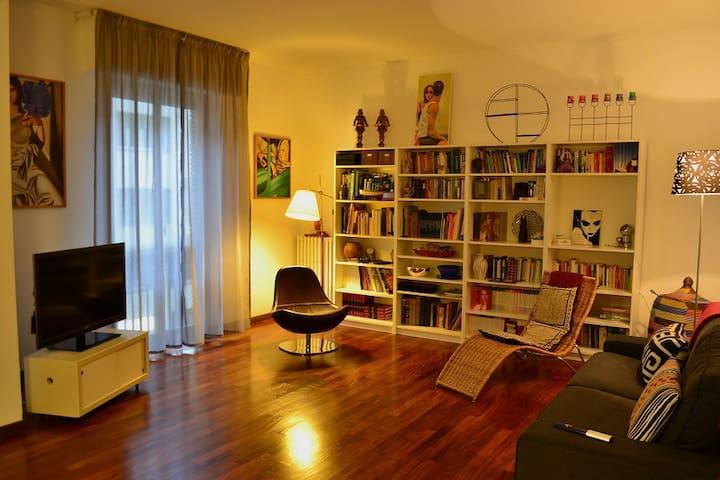 Double room in Piazza Savonarola F1 - Florence - Bed & Breakfast