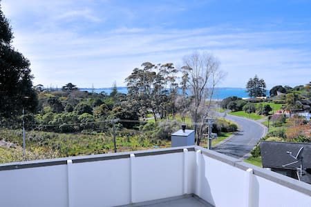 Beach Retreat &swiming pool Amazing view奢华海景度假屋带泳池 - Auckland