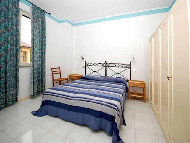 VLM2 Room with shared Garden in Villa by the beach - Mongiove - Villa