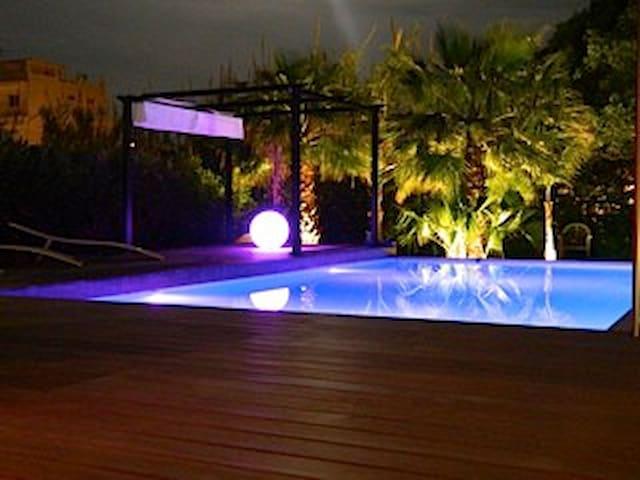chambre privée  dans villa - Cannes - Huis