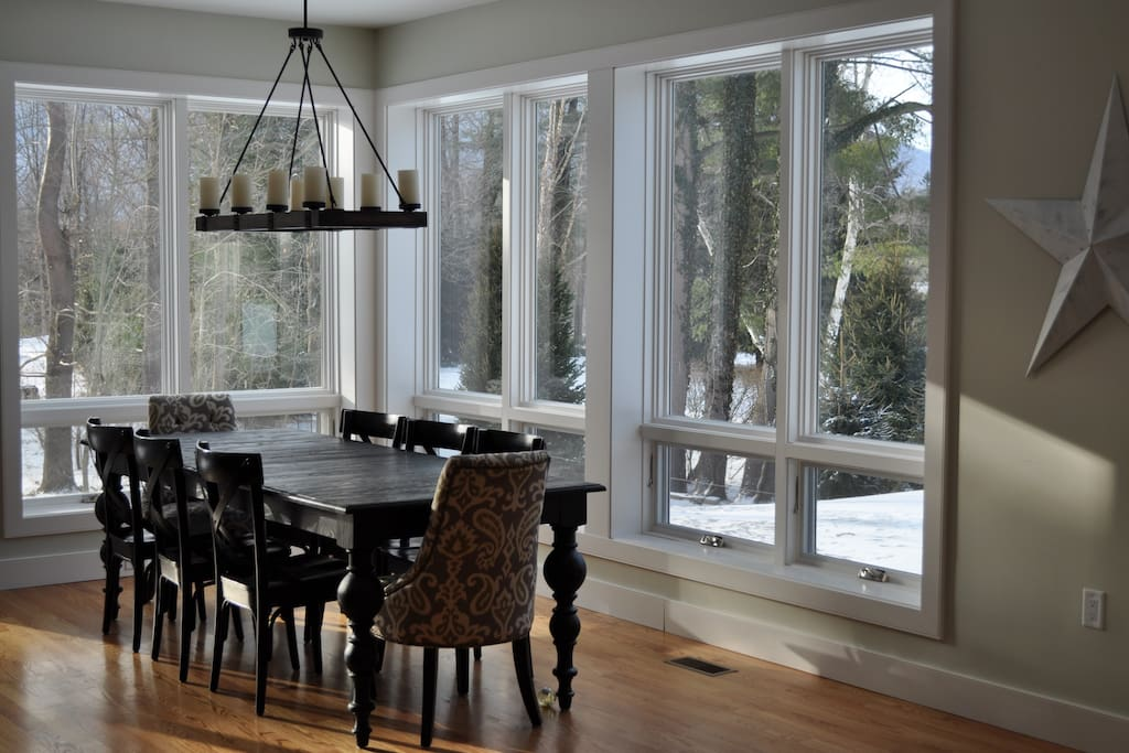 Dining area with views of the purple mountains!