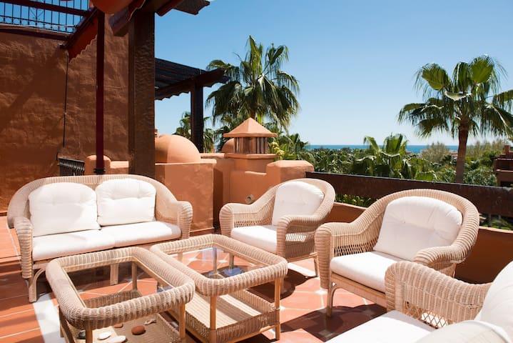 Luxurious apartment in Puerto Banus - Marbella - Casa