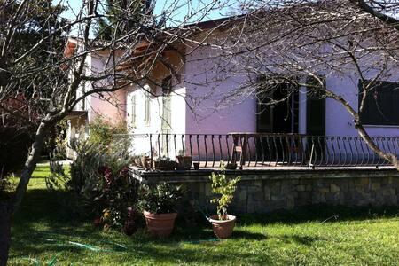 Villa on the river, Bocca di Magra - Ameglia