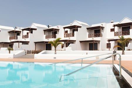 CasaLaura LUXURY duplex with pool