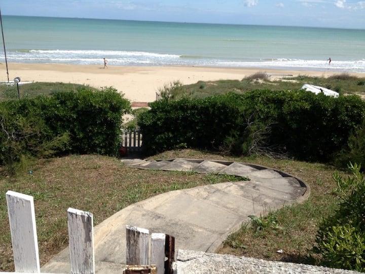 Beach, casa con accesso diretto sul mare