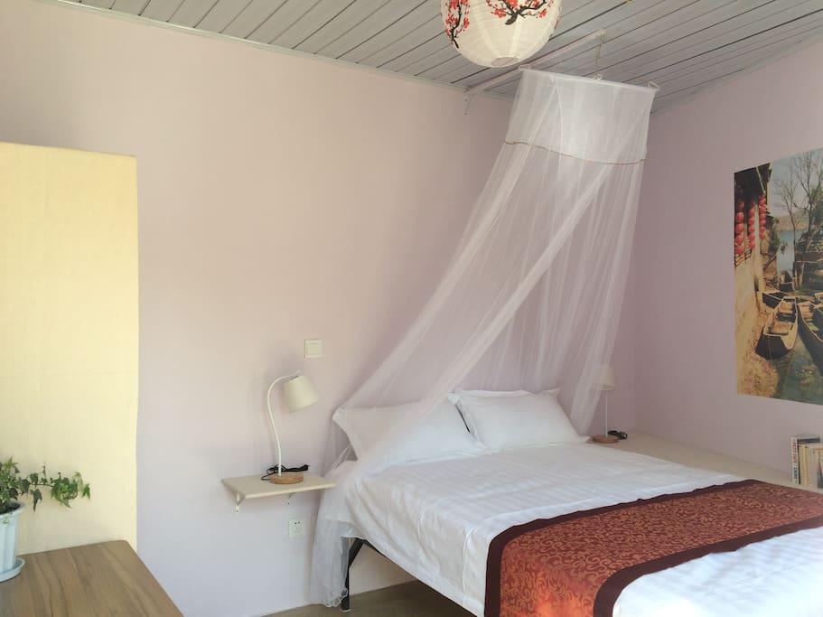 Chambre 103, Room 103, 103房间