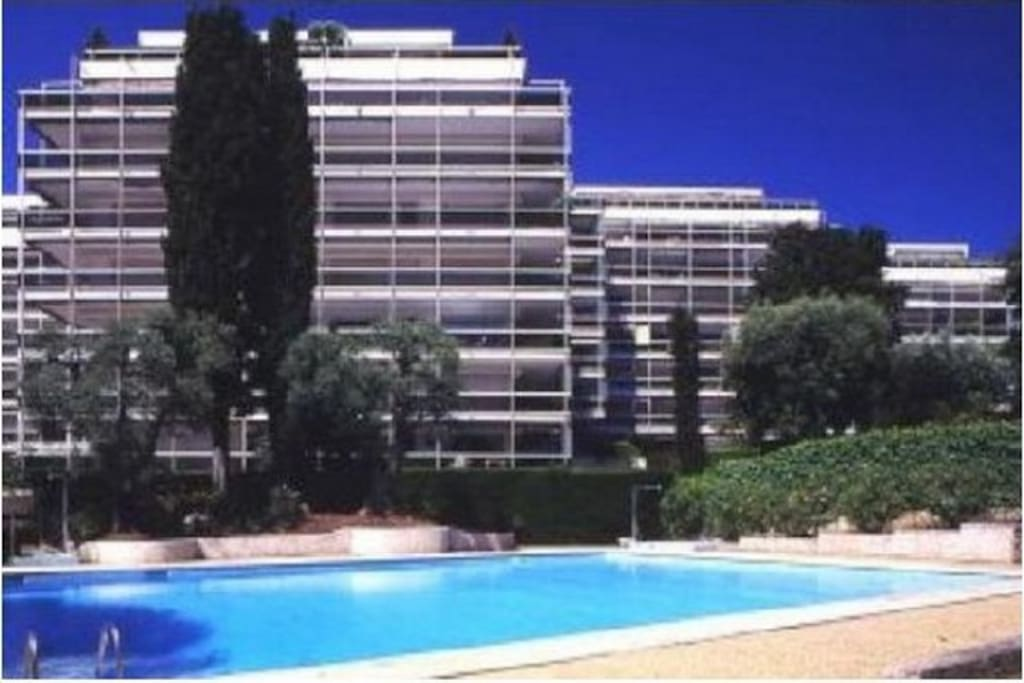 Juillet studio 5 p antibes piscine appartements louer - Point p antibes ...