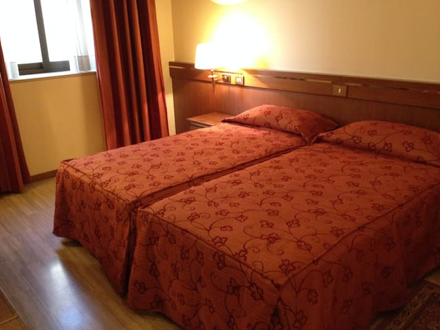 Hotel Augustus Ottaviano - Ottaviano - Bed & Breakfast