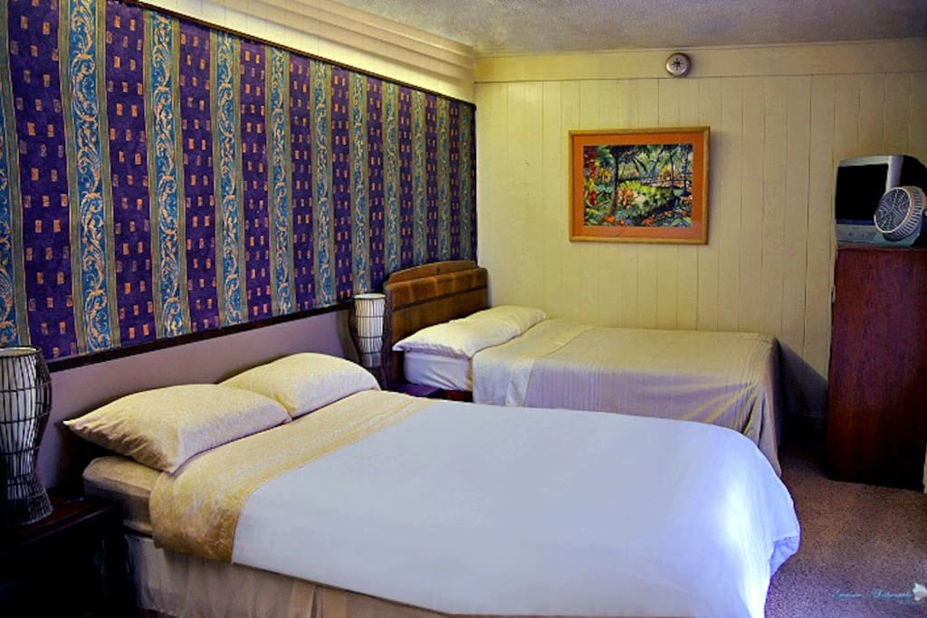 Da Shaka Room features its own balcony and two beds, great for travel buddies.