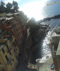 5 Terre_House on the sea - Riomaggiore