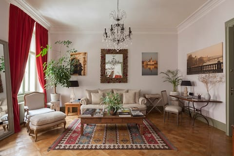 Luxurious Boutique Apartment in a Cool Quiet area