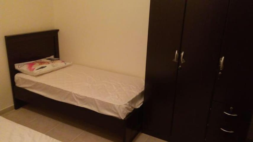 Tecom, Metro front, Emirates mall near, bed space
