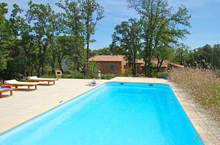 Lovely house in the quiet valley  - La Garde-Freinet - Cabaña